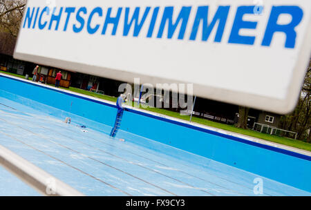 Hanover, Germany. 11th Apr, 2016. A sign written with 'non-swimmers' hangs at the Annabad swim club in Hanover, - Stock Photo