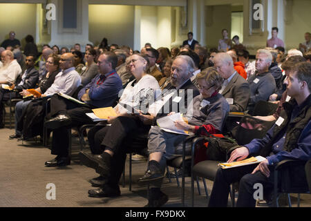 Kansas City, Missouri, USA. 5th Mar, 2016. Greater Kansas City Science & Engineering Fair judges listen to the presentation - Stock Photo