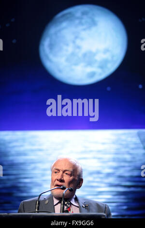 Phoenix, Arizona, USA. 12th Apr, 2016. Former Apollo astronaut Buzz Aldrin addresses attendees at the 2016 Cloud - Stock Photo