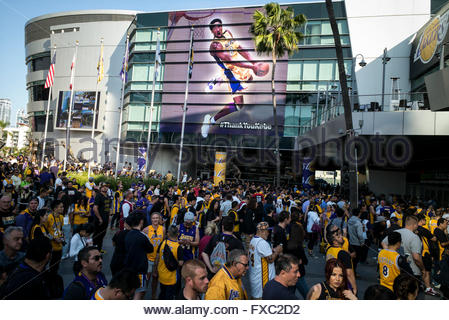 Los Angeles, CA, USA. 13th Apr, 2016. Laker fans line up outside of Staples Center before Kobe Bryant's last game. - Stock Photo