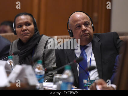 Washington, DC, USA. 14th Apr, 2016. South African Finance Minister Pravin Gordhan (R) attends a special meeting - Stock Photo