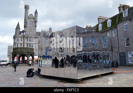 Aberdeen, Scotland, UK. 15th April, 2016. The mirrored pavilion opens in the Castlegate as an information point - Stock Photo