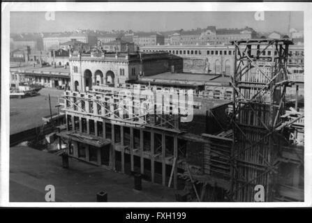 Bau des Wiener Westbahnhofes - Stock Photo