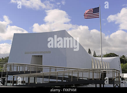Honolulu, Hawaii, USA. 23rd Feb, 2013. USS Arizona Memorial from the ferry boat taking guests to and from the Visitor's - Stock Photo