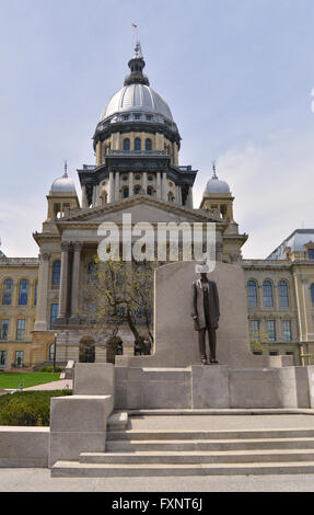 Statue of President Abraham Lincoln outside the Illinois State Capitol in Springfield, Illinois, USA - Stock Photo