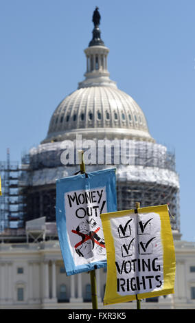 Washington, DC, USA. 17th Apr, 2016. Banners are seen in front of the Capitol during a rally against Money Politics - Stock Photo