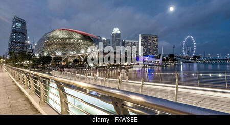 Esplanade Entertainment Center, Skyline, Big Wheel, Marina Bay, Singapore, Singapur, Southest Asia, - Stock Photo