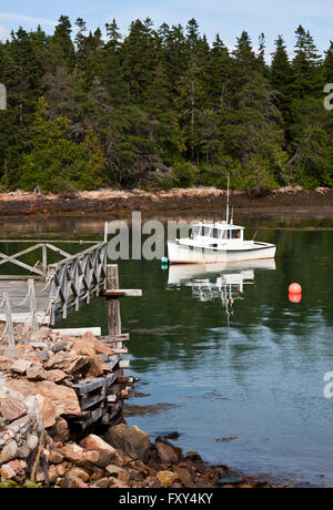 Lobster sales stock photo royalty free image 17359797 for Acadia national park fishing