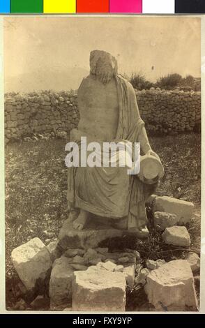 Überlebensgroße Marmorstatue in Sueidie - Stock Photo