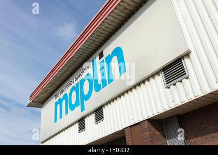 Sign on the exterior of the Maplin store, Manchester  Road, Bolton. Maplin are an electronics retailer. - Stock Photo
