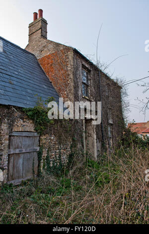 Situated in the small Breckland town of Brandon, Suffolk, lies a small farmstead that has been untouched for over - Stock Photo
