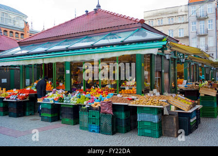 Outdoor market, outside Hala Targowa, the market hall, Glowne Miasto, main town, Gdansk, Pomerania, Poland - Stock Photo