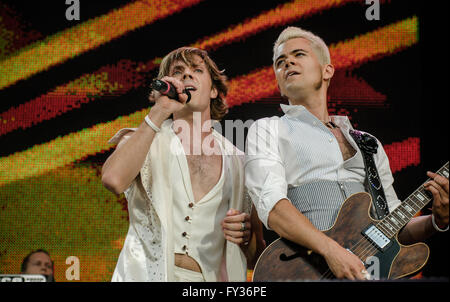 .Scissor Sisters performing at Live 8, Hyde Park, London. 2 July 2005. - Stock Photo