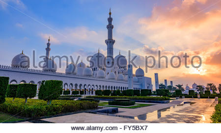 An Abu Dhabi landmark, the Sheikh Zayed Mosque was the vision of Sheikh Zayed bin Sultan al Nahyan, - Stock Photo