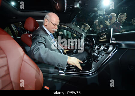 Detroit, Michigan, USA. 12th Jan, 2014. German Dieter Zetsche, Chairman of the Board of Mercedes Benz, sits inside - Stock Photo