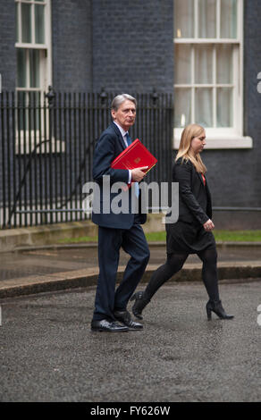 Downing Street, London, UK. 22nd April 2016. Philip Hammond MP, Secretary of State for Foreign and Commonwealth - Stock Photo