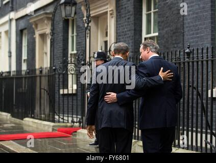 London, UK. 22nd Apr, 2016. U.S President Barack Obama walks arm and arm with British Prime Minister David Cameron - Stock Photo