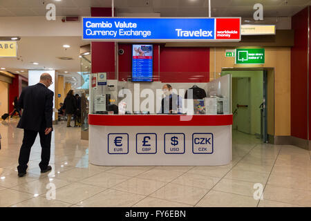bureau de change office operated by travelex at gatwick airport stock photo royalty free image
