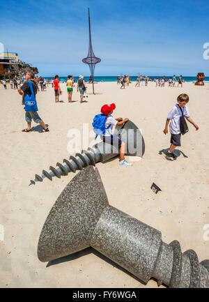 Australia, New South Wales, Sydney, Tamarama Beach, Sculpture by the Sea 2011, annual open air art exhibition. - Stock Photo