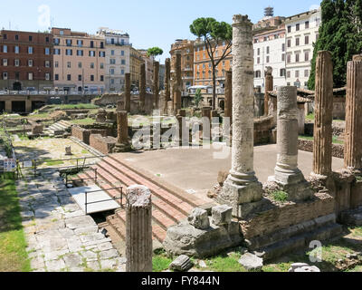 Square Largo di Torre Argentina with Roman temples and remains of Pompey's Theatre. Location: Campus Martius in - Stock Photo