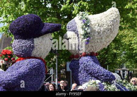 Sassenheim, The Netherlands. 23 Apr, 2016. Flower Parade (Bloemencorso). Bloemencorso (a Dutch word) means 'flower - Stock Photo
