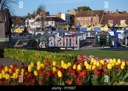 Stratford-upon-Avon, England, UK; 24th April, 2016. A beautiful day in Stratford-upon-Avon this morning, as the - Stock Photo