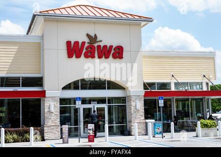 Orlando Florida Wawa gas petrol station convenience store front entrance - Stock Photo