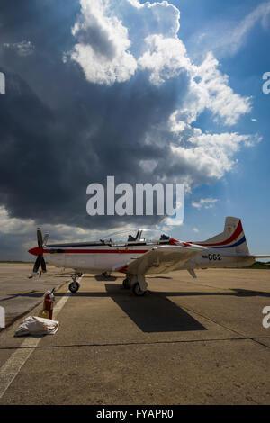 apron ground propeller training advanced Pilatus PC-9 Red propeller-driven turboprop - Stock Photo
