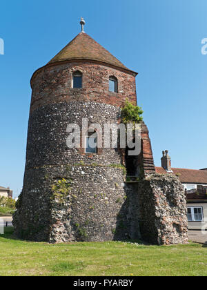 a history of the medieval town of yarmouth in england Great yarmouth town wall  the town wall was started in 1284,  through the historic england website.