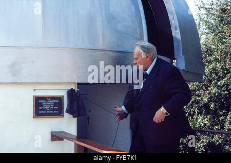 Archive image of Sir Patrick Moore, OBE, 1923-2012, astronomer, opening the Pennell-Hammerton Observatory, Lincoln - Stock Photo
