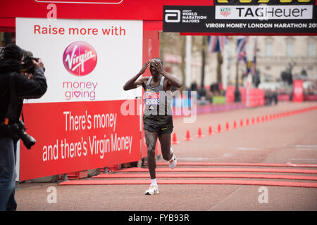 The Mall, London, UK. 24th April, 2016. Elite mens race winner Eliud Kipchoge (KEN), finishing the 2016 Virgin Money - Stock Photo