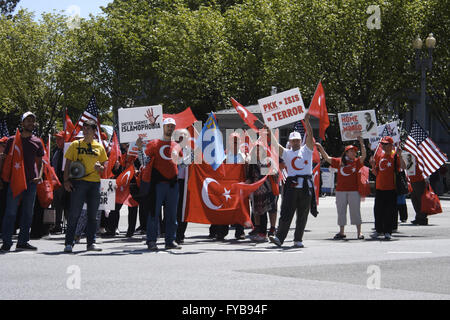 Washington, District of Columbia, USA. 24th Apr, 2016. A group of people with Turkish and American flags and signs - Stock Photo