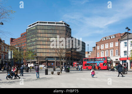 High Road, Wood Green, London Borough of Haringey, Greater London, England, United Kingdom - Stock Photo
