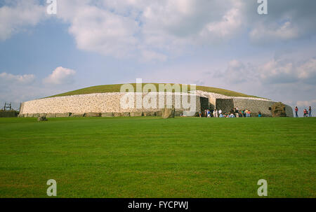 Newgrange, prehistoric monument in County Meath, Ireland Built during the neolithic period, between 2000 and 3000BC. - Stock Photo