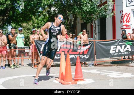 Romina Palacio en el triathlon Internacional de La Paz 2016 - Stock Photo