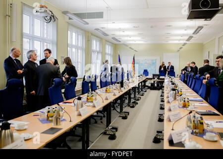 Berlin, Germany. 26th April, 2016. Members of Germany's Joint Terrorism Defense Center (Gemeinsames Terrorismusabwehrzentrum - Stock Photo