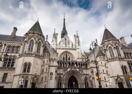 The Royal Courts of Justice in central London England - Stock Photo