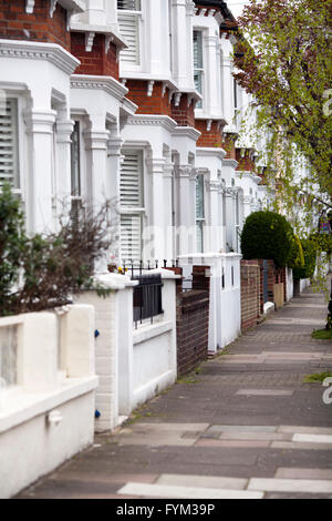 Houses on Stormont Rd Between Clapham Common and Battersea - london UK - Stock Photo