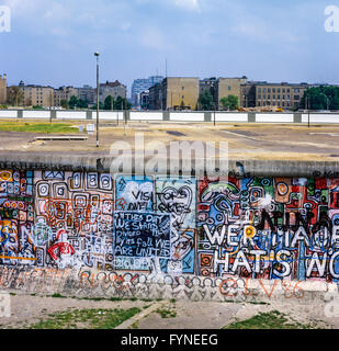 August 1986, Berlin wall graffitis at Potsdamer Platz square with view over Leipziger Platz square, death strip, - Stock Photo