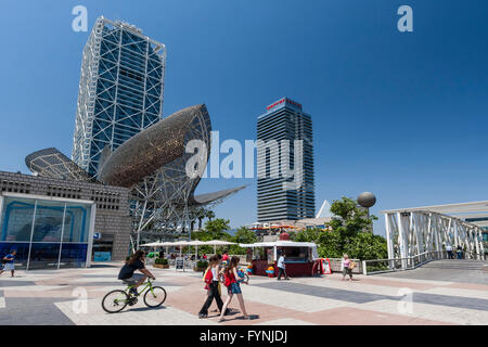 Platja de la Barceloneta,  Hotels Arts sculpture , Frank Gehry Passeig Maritim , Promenade,  people - Stock Photo