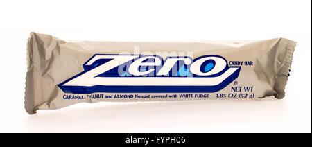 Winneconni, WI - 16 June 2015:  Zero candy bar - Stock Photo