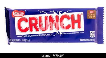 Winneconni, WI - 19 June 2015:  Nestle Crunch candy bar - Stock Photo