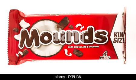 Winneconni, WI - 19 June 2015:  Mounds candy bar - Stock Photo