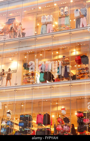21 clothes store