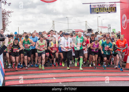 London, UK. 24th April 2016. Dame Kelly Holmes, Iwan Thomas and other celebrities start off the London Marathon, - Stock Photo