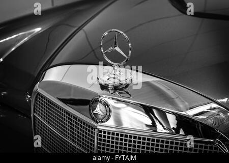 Hood ornament of mercedes benz 220 se w128 close up for Mercedes benz hood ornament