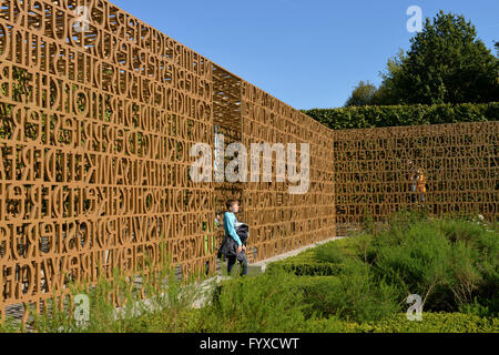 Aisle, ambulatory, Christian Garden, Erholungspark Marzahn, Gardens of the World, Marzahn, Berlin, Germany / Gärten - Stock Photo