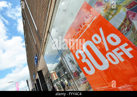 British Home Stores in Southend, Essex, UK. Closing notices on window display. High Street shop store. BHS - Stock Photo