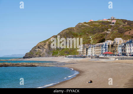 North beach and seafront buildings on Marine Terrace in Cardigan Bay below cliff railway on Constitution Hill. Aberystwyth - Stock Photo