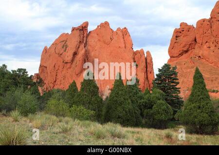 Unusual rock formations in Garden of Gods - Stock Photo